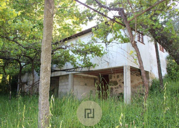 casa vista de baixo